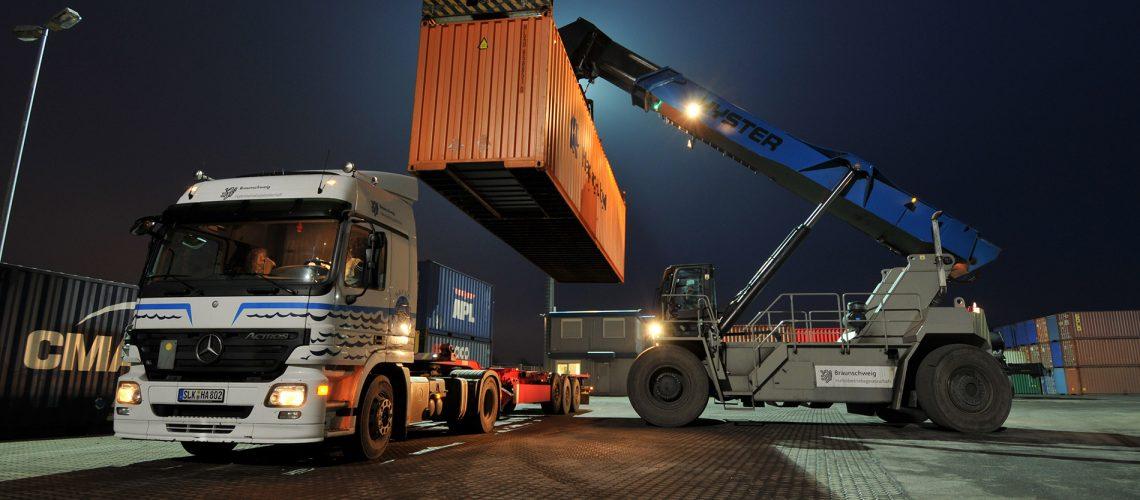 Hafen-BS-Lkw-Beladung
